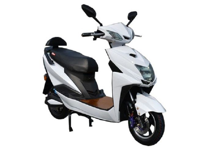 Anti Skid Tire Electric Motorcycle Scooter Moped Low Power Consumption 45km / H Max Speed